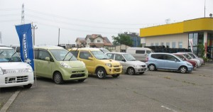 車の販売風景
